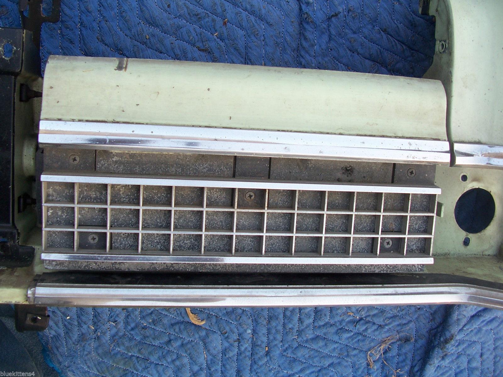 1973 MARQUIS LEFT HEADLIGHT BUCKET DOOR TRIM GRILL TRIM PANEL OEM USED MERCURY image 6
