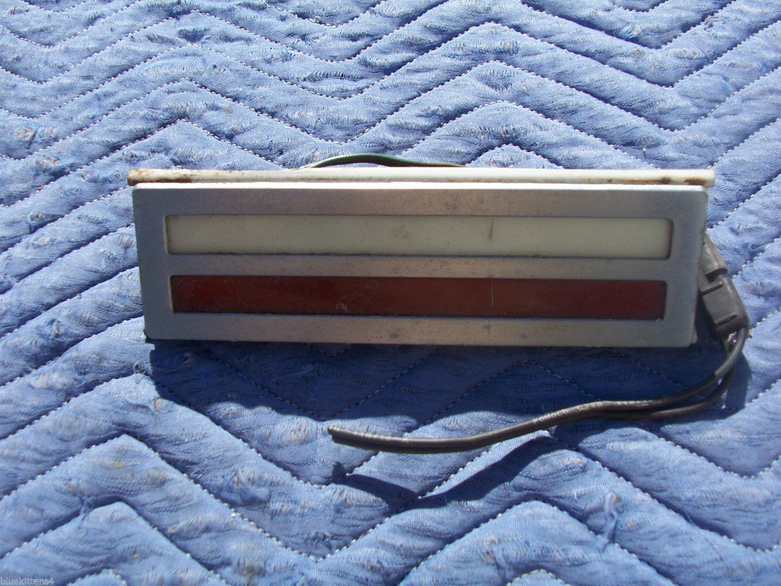 1971 MARK III RIGHT DOOR INSIDE TRIM LIGHT OEM USED ORIG LINCOLN PART C8SB13A743 image 2