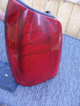 2000 2005 DHS DTS DEVILLE LEFT TAILLIGHT OEM USED CADILLAC GM PART NUMBER 278217 image 8