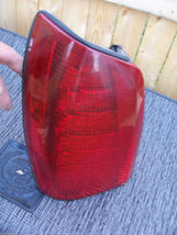 2000 2005 DHS DTS DEVILLE LEFT TAILLIGHT OEM USED CADILLAC GM PART NUMBER 278217 image 5