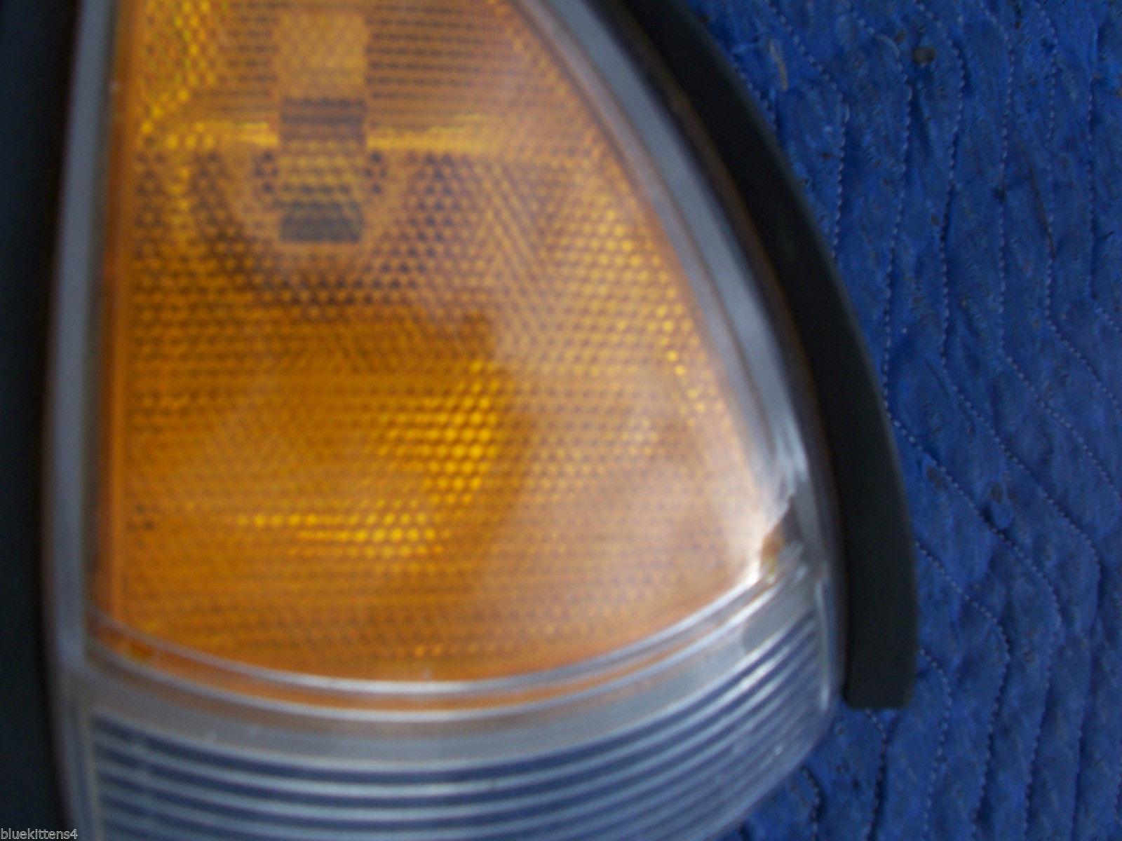 1998 1999 BONNEVILLE RIGHT CORNER MARKER SIGNAL LIGHT OEM USED ORIG PONTIAC GM image 2