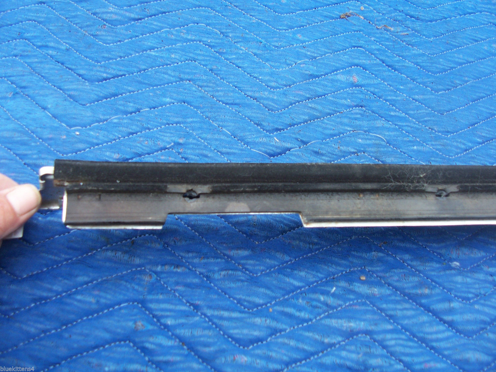 1978 1979  CONTINENTAL TOWNCAR RIGHT REAR DOOR WINDOW TRIM MOLDING OEM USED image 8