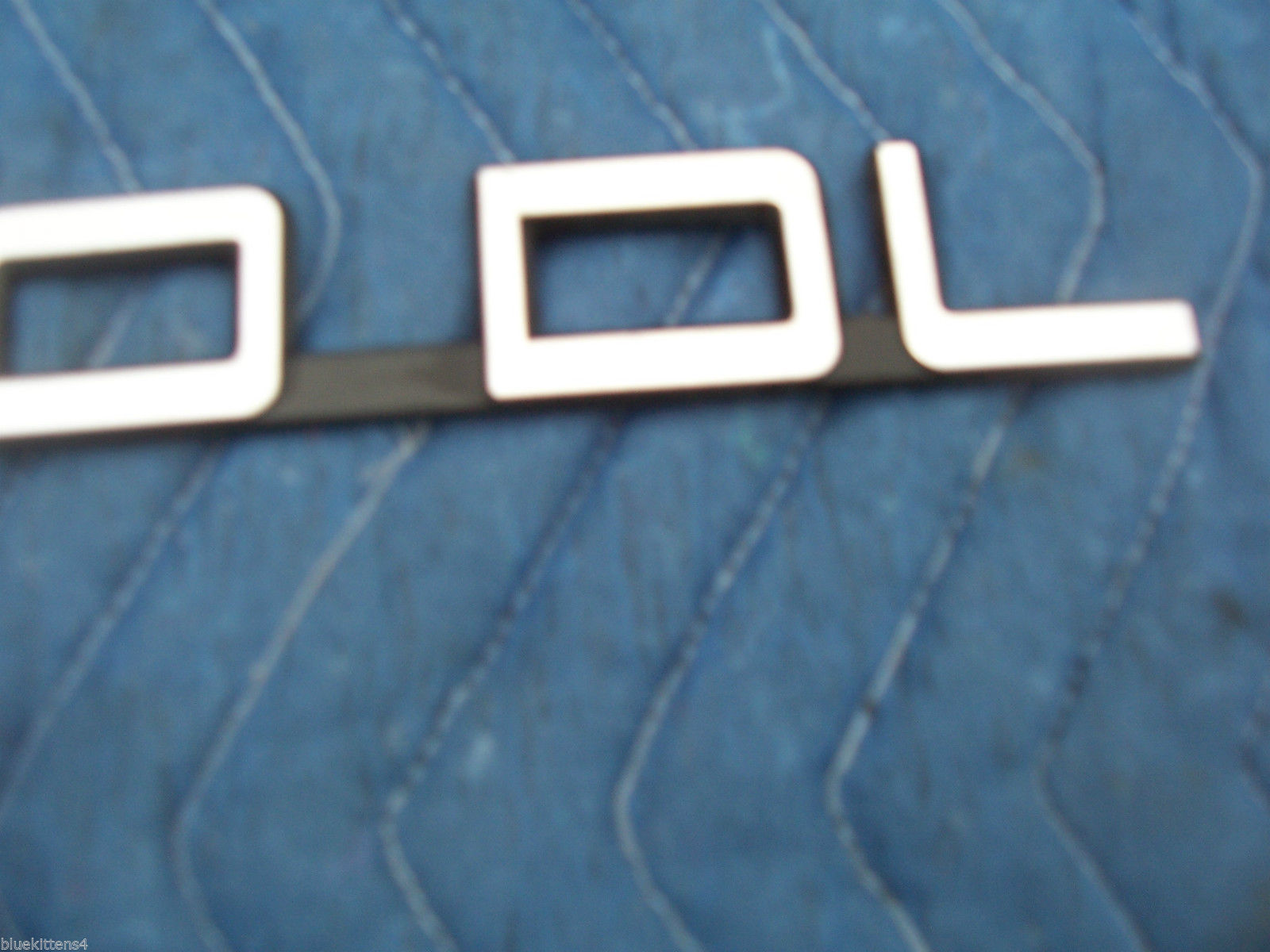 240 DL USED TRUNK TRIM EMBLEM 1993 1992 1991 1990 ORIGINAL VOLVO ORNAMENT
