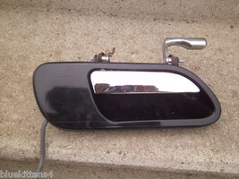 1999 2002 Continental Right Front Door Handle Ebony Oem Used Orig Lincoln - $66.90