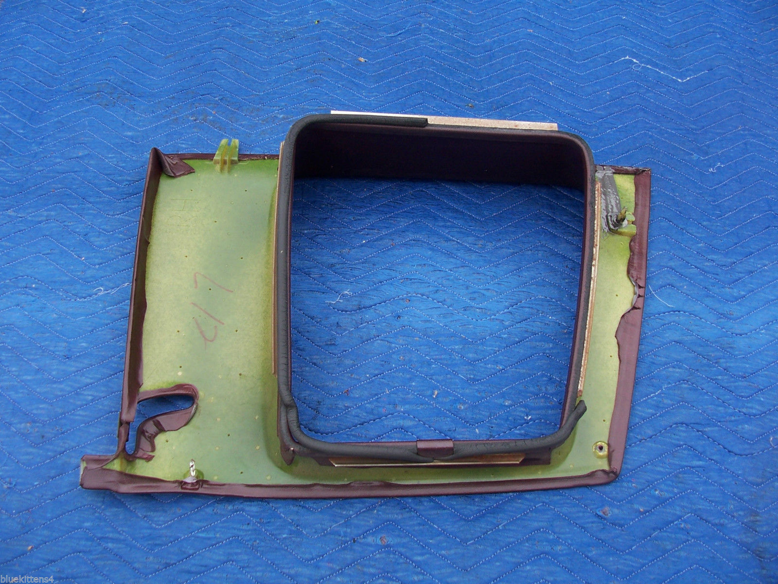 1977 COUPE DEVILLE RIGHT OPERA WINDOW TRIM PANEL OEM USED CADILLAC PART image 9