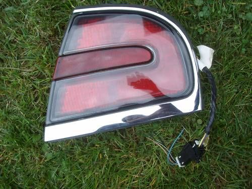 1998 2004 BUICK PARK AVENUE ULTRA RIGHT TAIL LIGHT OEM image 1
