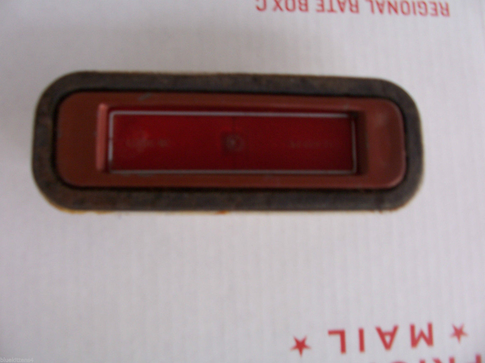 1974 BUICK RIVIERA RIGHT SIDE MARKER CLEARANCE LIGHT OEM USED ORIGINAL GM PART