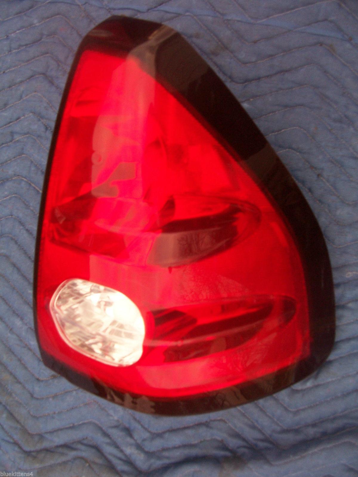 2001 AZTEC RIGHT TAILLIGHT OEM USED ORIGINAL PONTIAC GM PART 2002 2003 2004 2005