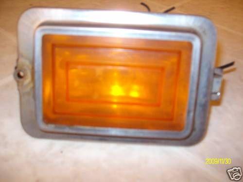 1977 1978 1979 FLEETWOOD DEVILLE FRONT MARKER LIGHT OEM USED GM # 5969864 AMBER