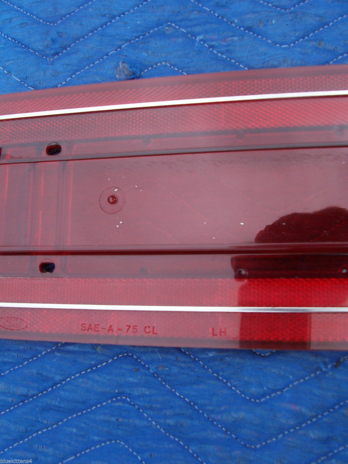 1978 CONTINENTAL TOWNCAR TAILLIGHT PANEL LEFT LENS OEM USED EDGE CRACK 1977 1979 image 7