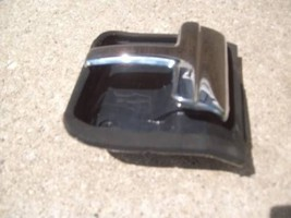 CONTINENTAL INTERIOR DOOR HANDLE INSIDE RIGHT OEM USED LINCOLN 88 89 90 91 92 93 image 1