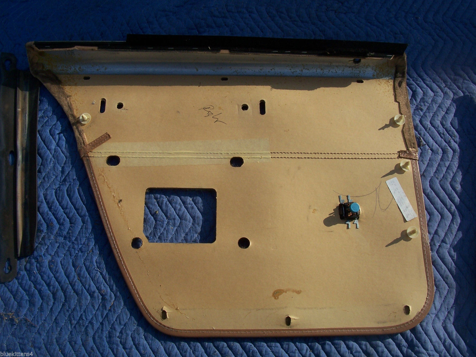 1990 CHEVY CAPRICE ESTATE WAGON DOOR PANEL RIGHT REAR USED OEM CHEVROLET PART image 9