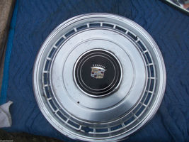 1979 COUPE DEVILLE WHEEL COVER SCRATCHD OEM USED CADILLAC PART DEVILLE FLEETWOOD image 2