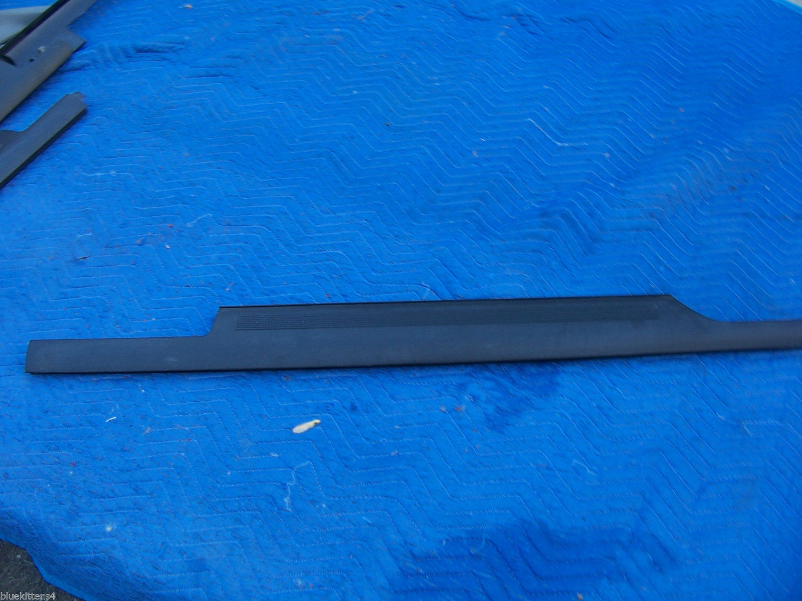 1993 STS SEVILLE RIGHT FRONT THRESHOLD STEP TRIM PANEL OEM USED CADILLAC GM