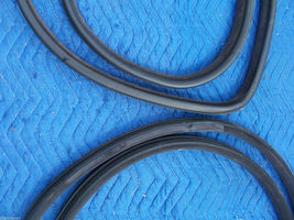 1993 SEVILLE STS RIGHT WEATHERSTRIP FRONT & REAR DOOR UPPR LWR USED OEM CADILLAC image 2