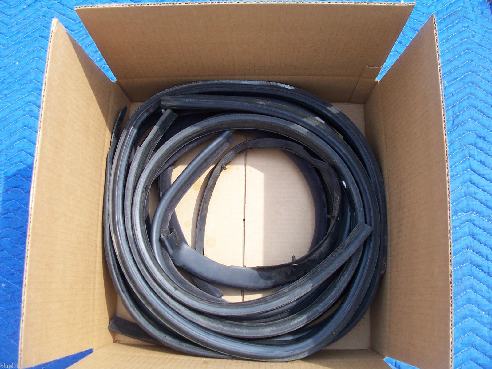 1993 SEVILLE STS RIGHT WEATHERSTRIP FRONT & REAR DOOR UPPR LWR USED OEM CADILLAC image 8