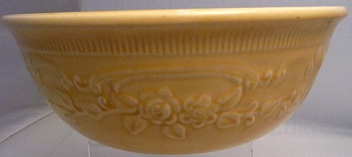 Homer Laughlin Oven Serve Casserole with Raised Roses  image 4
