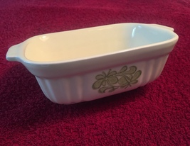 Vintage 80s light yellow Pfaltzgraff 16oz baking dish with green floral design