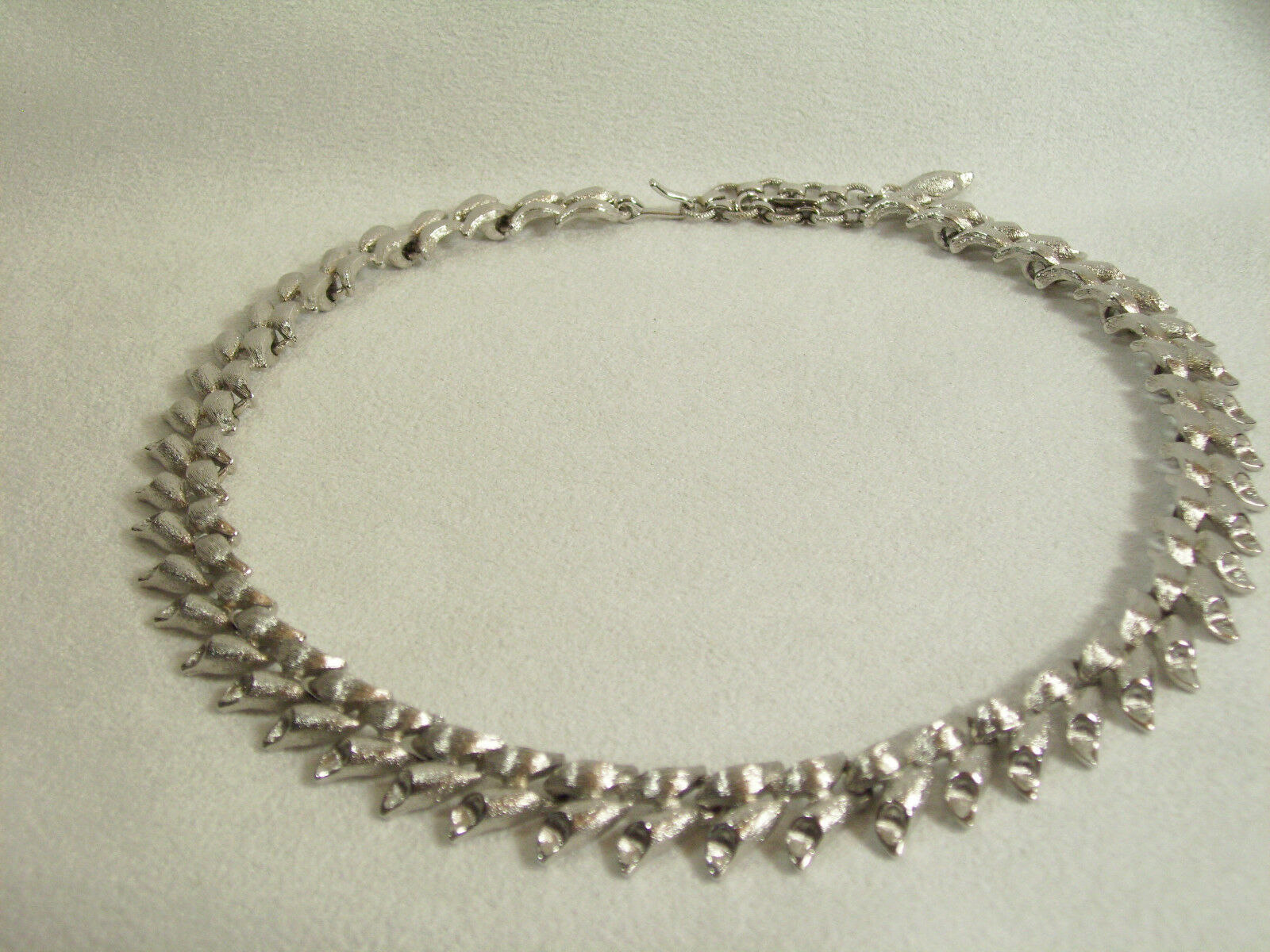 MONET Brushed SILVER Plated Link Necklace Choker Classic Vintage Estate Career