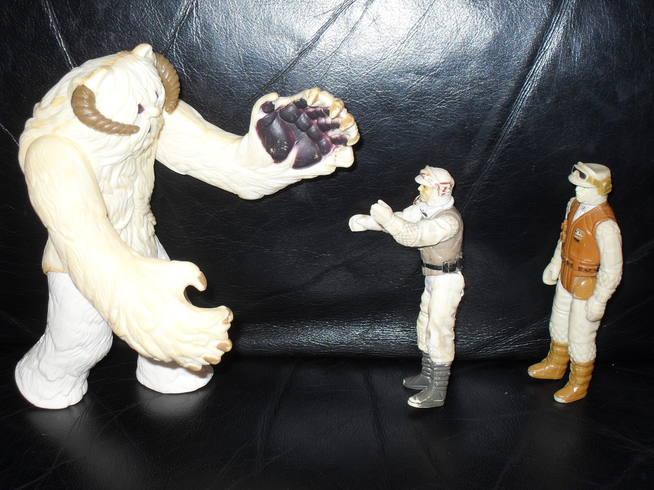 Vintage Star Wars 1981 Hoth Wampa With 1980 Figures