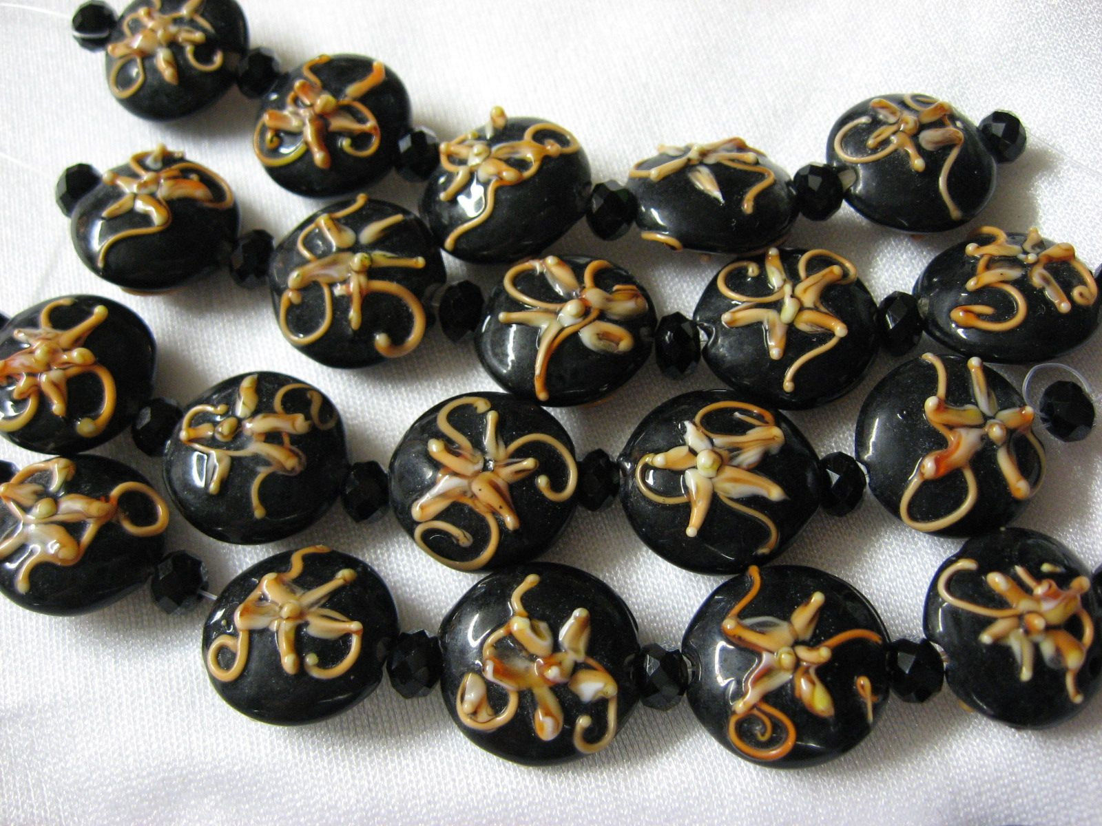 Round Lentil Lampwork Glass Beads, Black with Peach, 5 beads, 18mm