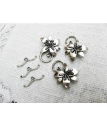 Pewter Flower Toggle Clasp, 30mm, 3 Toggles Antique Silver - $3.25