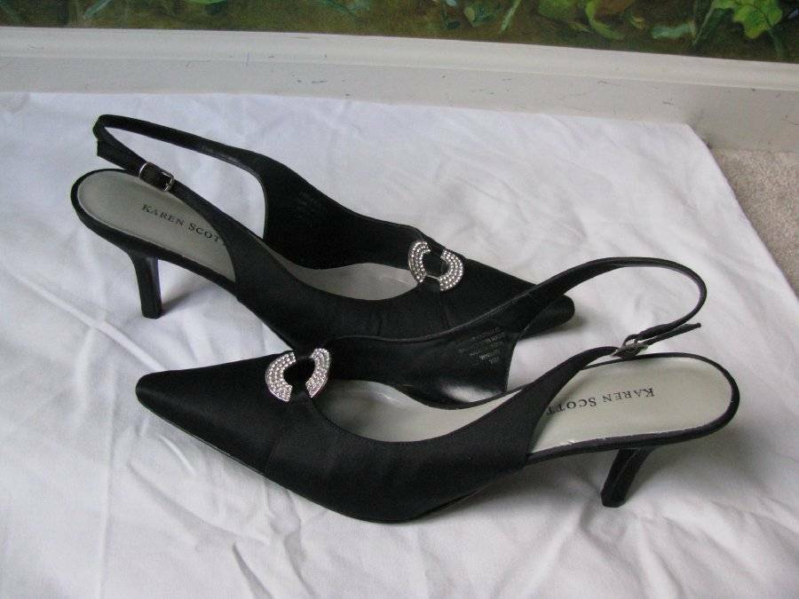Primary image for Karen Scott Women's  Black Heels Satin Leather out-sole Sandal Shoes SZ 10M New