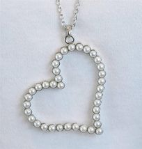 Trendy Large White Faux Pearl Heart Necklace Silver Tone - £10.44 GBP