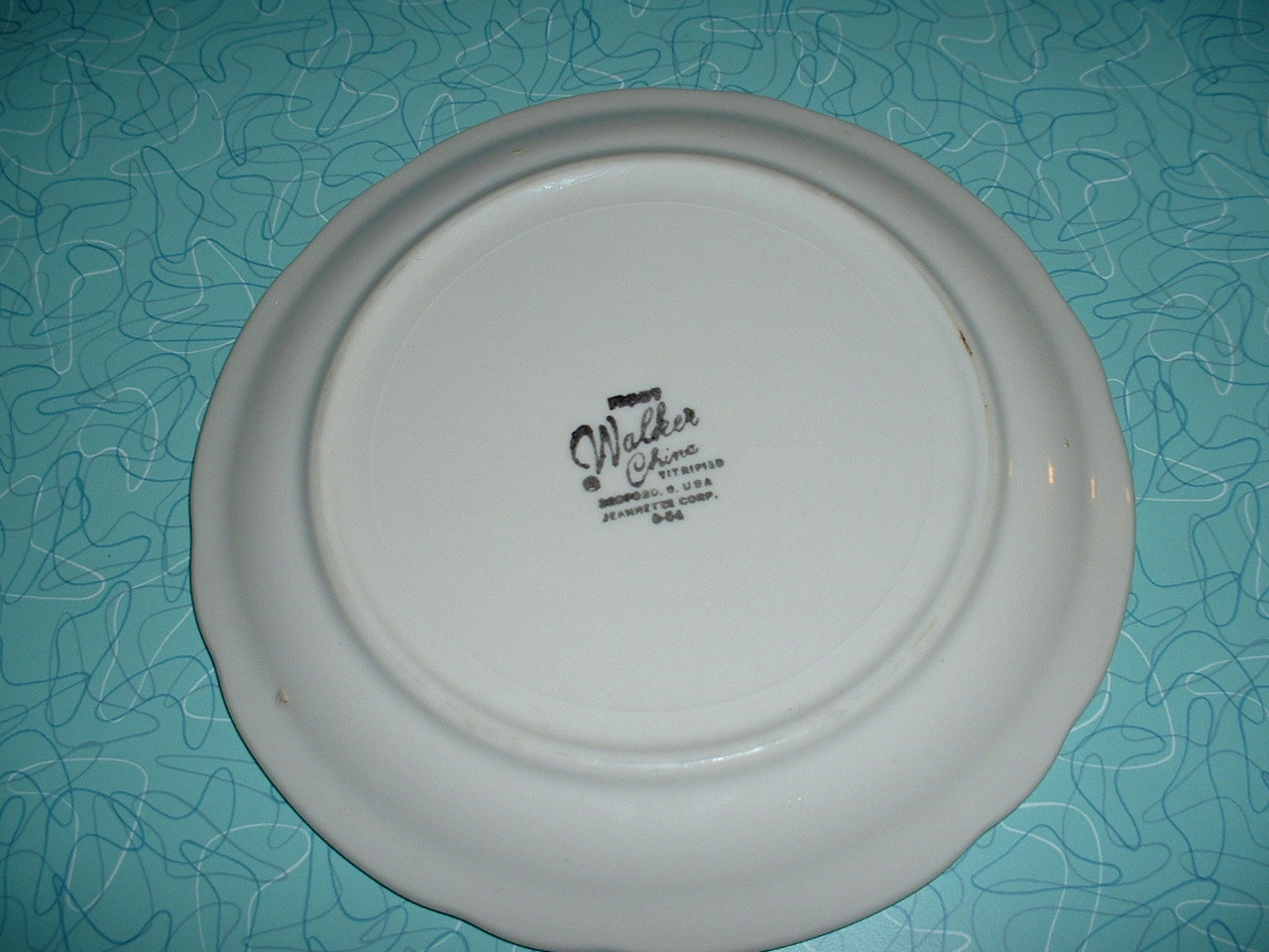 """IHOP The International House of Pancakes 7 1/4"""" plate by WALKER CHINA"""