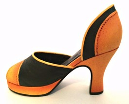 Raine Just The Right Shoe Retroactive 25164 Miniature Retired 2000 - $16.82