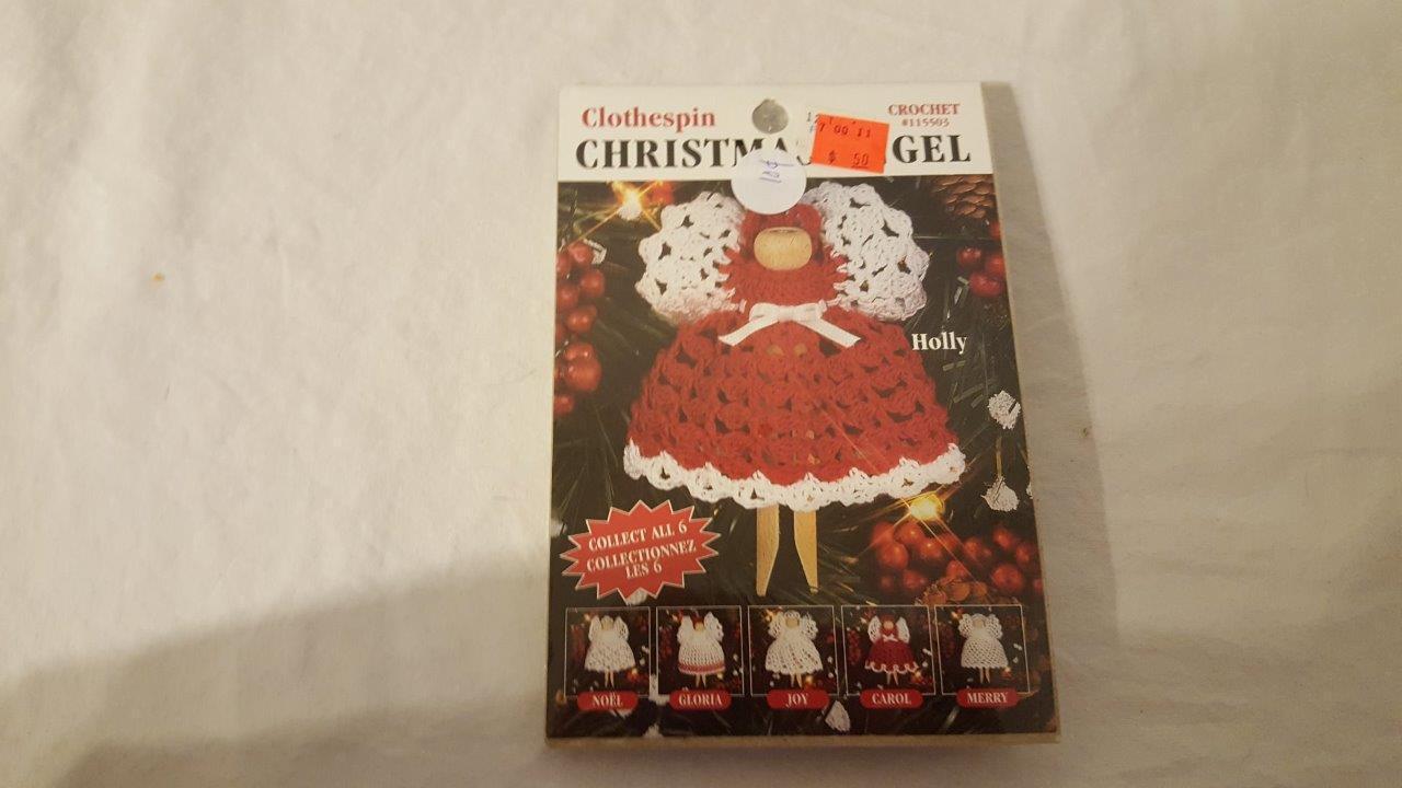 "LEISURE ARTS CROCHET CLOTHESPIN CHRISTMAS ANGEL KIT USA 4"" HOLLY NIP"