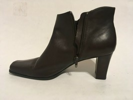 """Liz Claiborne Brown Leather Zip Up Ankle Boots with 2.5"""" Heels Womens sz 10M - $25.25"""