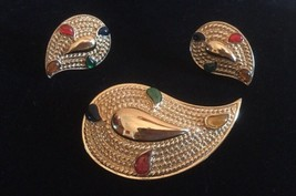 Vintage Avon Brooch/Pin Earrings  Set - $14.99