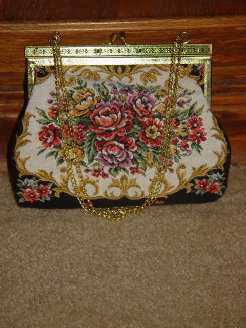 Handbag With Gold Trim and Chain image 2