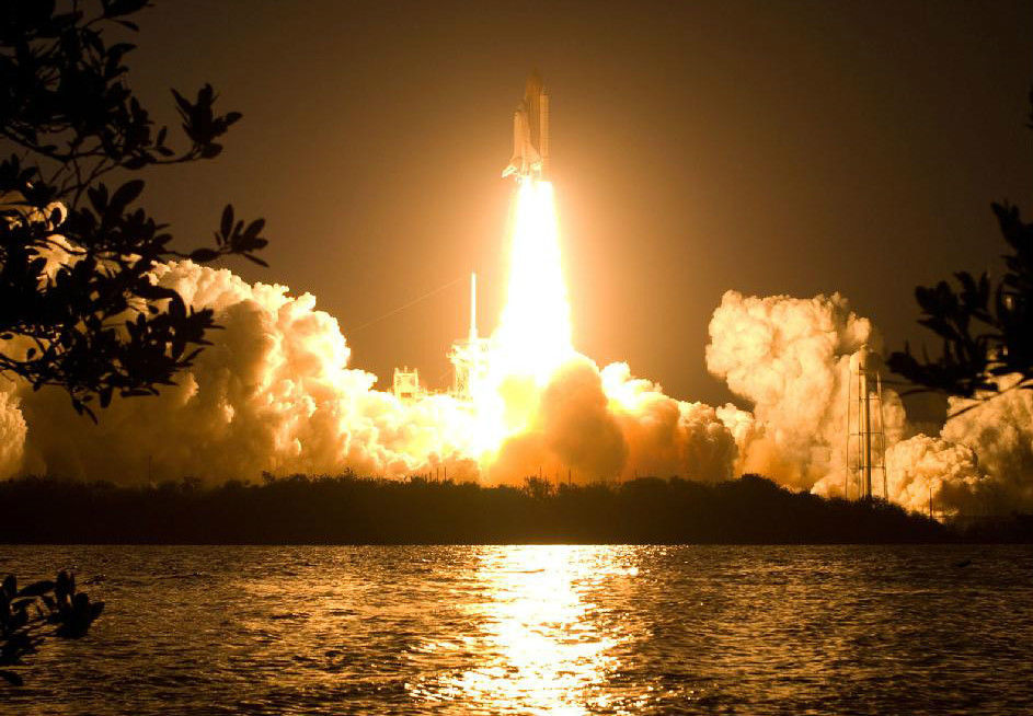 Discovery Shuttle Takes Off  5x7 Color Photo