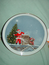 Santa Christmas Tree Gold Trim Plate image 2