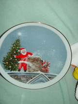 Santa Christmas Tree Gold Trim Plate image 3
