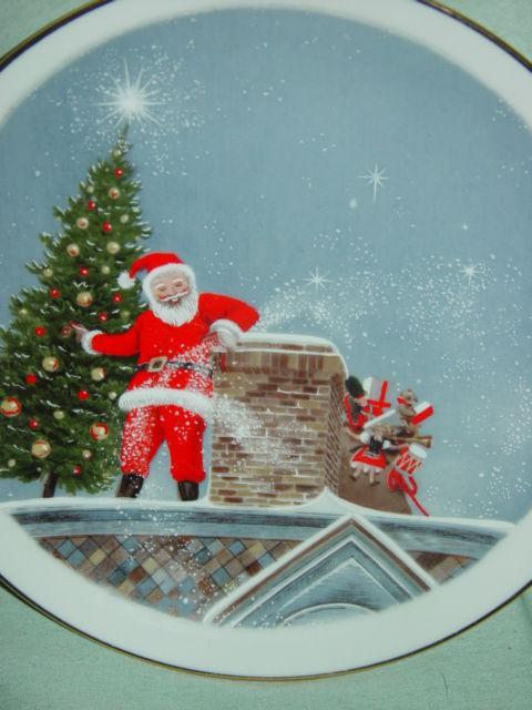 Santa Christmas Tree Gold Trim Plate