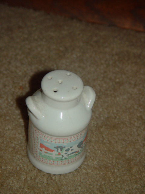 One Old White Cow Salt Shaker image 3