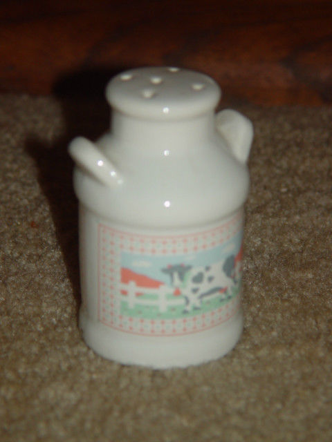 One Old White Cow Salt Shaker image 6
