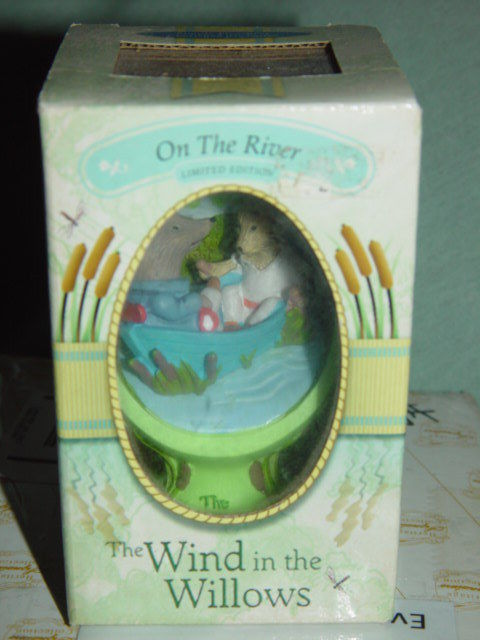 The Wind In The Willows On The River 2002 Egg Shape Figurine