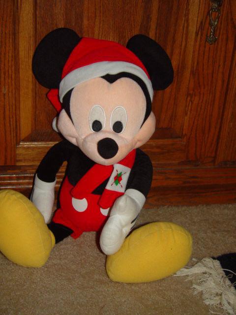 Disney Mickey Mouse 23' Tall