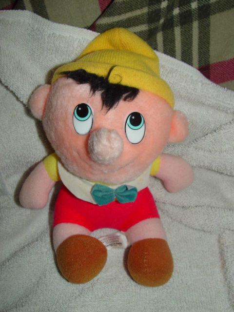 """Walt Disney's Pinocchio Stuff Doll 6 1/2"""" Tall"""