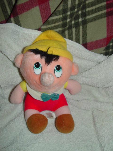 "Walt Disney's Pinocchio Stuff Doll 6 1/2"" Tall image 3"