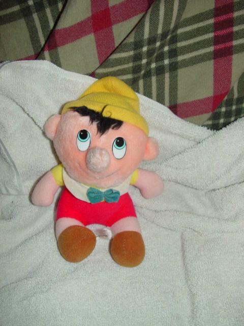 "Walt Disney's Pinocchio Stuff Doll 6 1/2"" Tall image 2"