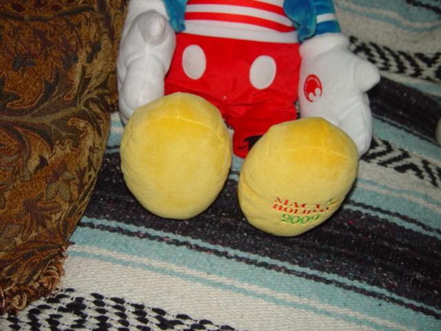 Disney's Mickey Mouse  Macy's holiday 2009 Mickey Talks