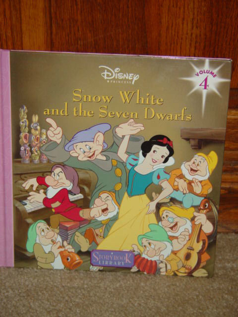 Disney's Snow White And The Seven Dwarfs Vilume 4