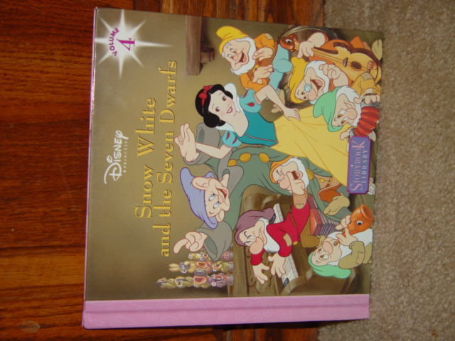 Disney's Snow White And The Seven Dwarfs Vilume 4 image 3