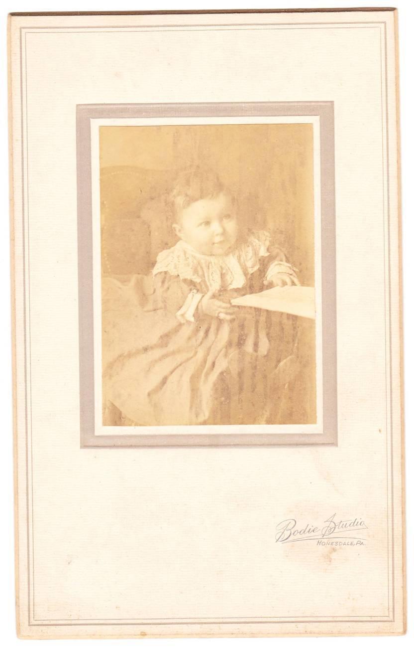 Baby girl photo 1
