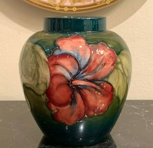 Walter Moorcroft Hibiscus Vase Signed & Potters to The Late Queen Mary S... - $494.01